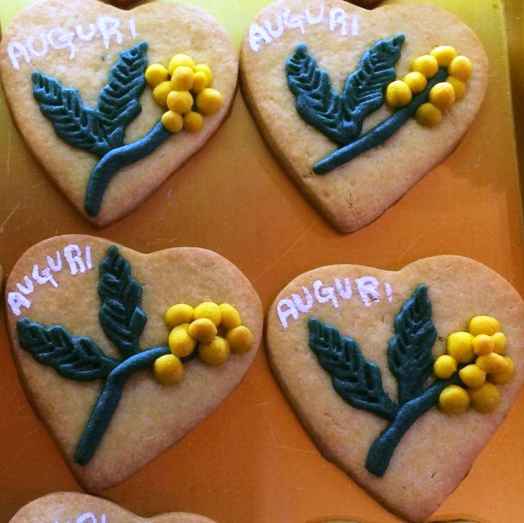 8 Marzo, un biscotto con i fiori